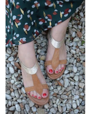 Sandale avec entre doigts REQINS couleur camel et or