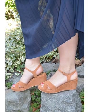 Sandale compensée EXIT en daim couleur camel