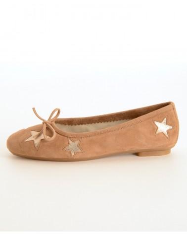 Ballerine beige avec plusieurs petites étoile REQINS